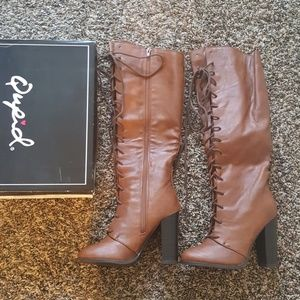 Brown lace up heel boot size 7.5 New w Box